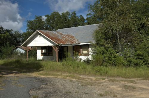 olifftown-ga-general-store-photograph-copyright-brian-brown-vanishing-south-georgia-usa-2012