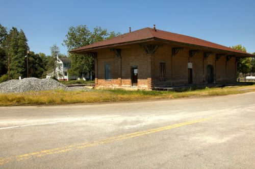 toomsboro-ga-central-of-georgia-railroad-depot-photograph-copyright-brian-brown-vanishing-south-georgia-usa-2012