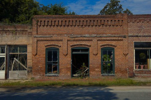 kite-ga-john-m-johnson-buildings-photograph-copyright-brian-brown-vanishing-south-georgia-usa-2012