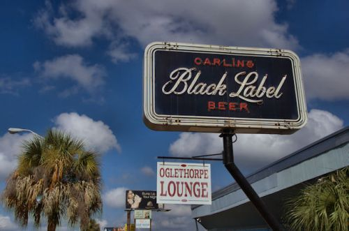 oglethorpe-lounge-albany-ga-carling-black-label-beer-sign-photograph-copyright-brian-brown-vanishing-south-georgia-usa-2012