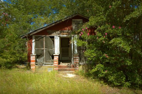 queensland-ga-gable-front-house-photograph-copyright-brian-brown-vanishing-south-georgia-usa-2012