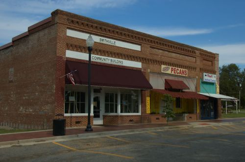 smithville-ga-revitalized-storefronts-photograph-copyright-brian-brown-vanishing-south-georgia-usa-2012