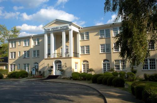 new-perry-hotel-ga-photograph-copyright-brian-brown-vanishing-south-georgia-usa-2012
