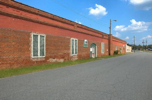 reynolds-ga-agricultural-warehouse-photograph-copyright-brian-brown-vanishing-south-georgia-usa-2012