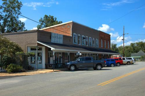 sasser-ga-historic-downtown-photograph-copyright-brian-brown-vanishing-south-georgia-usa-2012