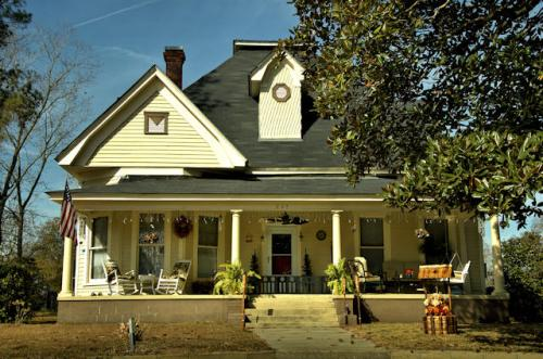 rebecca-ga-folk-victorian-house-photograph-copyright-brian-brown-vanishing-south-georgia-usa-2012