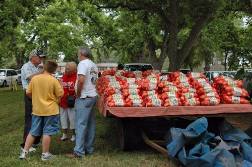 2010-glennville-sweet-onion-festival-dannis-brannen-photograph-copyright-brian-brown-vanishing-south-georgia-usa-2012