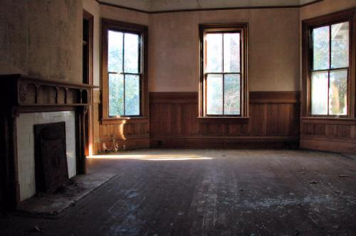 ashburn-ga-john-evans-house-interior-pre-restoration-photograph-copyright-brian-brown-vanishing-south-georgia-usa-2012