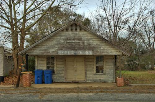 berlin-ga-diner-photograph-copyright-brian-brown-vanishing-south-georgia-usa-2013