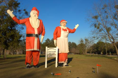 cedar-crossing-ga-giant-santa-photograph-copyright-brian-brown-vanishing-south-georgia-usa-2013