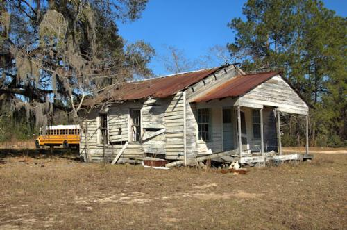 liberty-county-ga-gable-front-house-school-bus-photograph-copyright-brian-brown-vanishing-south-georgia-usa-2013