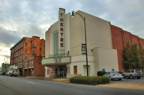 moultrie-ga-colquitt-theatre-photograph-copyright-brian-brown-vanishing-south-georgia-usa-2013