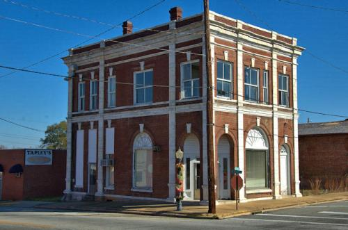 vidalia-ga-first-national-bank-building-photograph-copyright-brian-brown-vanishing-south-georgia-usa-2013