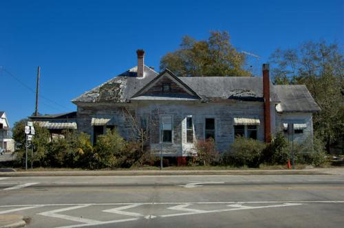 waycross-ga-queen-anne-house-photograph-copyright-brian-brown-vanishing-south-georgia-usa-2013