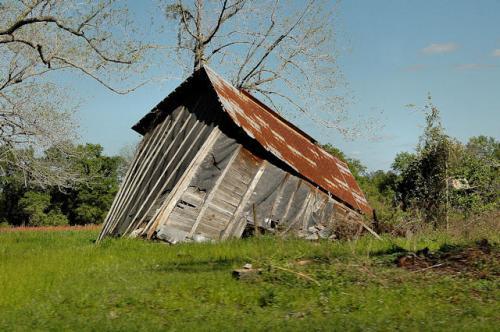 irwin-county-ga-tobacco-barn-ruins-photograph-copyright-brian-brown-vanishing-south-georgia-usa-2013