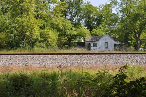 arp-ga-charlie-smith-house-from-railroad-tracks-photograph-copyright-brian-brown-vanishing-south-georgia-usa-2013
