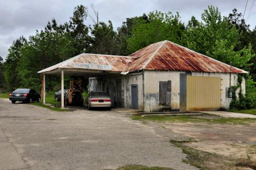 stillmore-ga-turner-service-station-photograph-copyright-brian-brown-vanishing-south-georgia-usa-2013