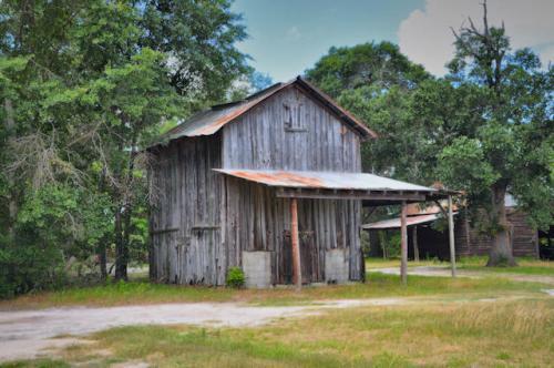tattnall-county-ga-cobbtown-area-tobacco-barn-photograph-copyright-brian-brown-vanishing-south-georgia-usa-2013