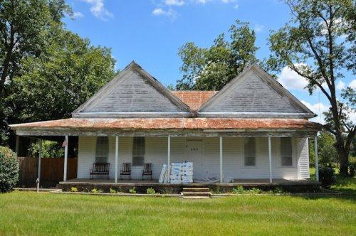 danville-ga-double-gabled-house-photograph-copyright-brian-brown-vanishing-south-georgia-usa-2013