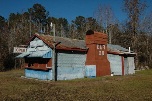 moodys-bar-b-q-shed-stand-restaurant-roadside-southern-food-iconic-us-highway-17-camden-county-ga-pressed-tin-false-brick-siding-picture-image-photo-copyright-©-brian-brown-vanishing-coast
