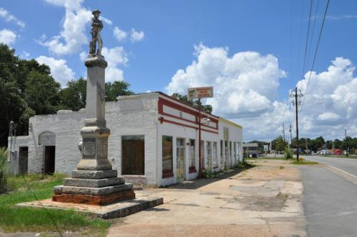 twiggs-county-confederate-monument-jeffersonville-ga-photograph-copyright-brian-brown-vanishing-south-georgia-usa-2013