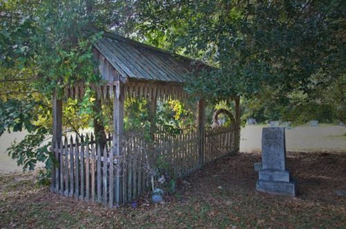 historic bethlehem primitive baptist cemeterey grave house brantley county ga photograph copyright brian brown vanishing south georgia usa 2013