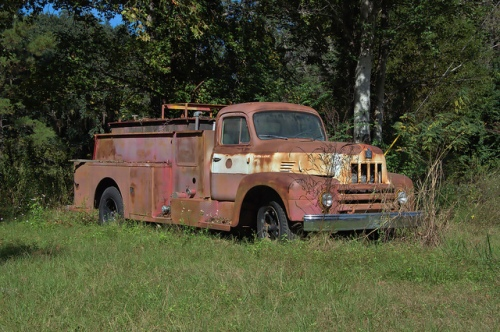 Waynesville GA Brantley County GA International R-185 Fire Truck Engine Pumper Firefighting 1950s Rust Rusty Abandoned Cool Relic Picture Image Photograph Copyright © Brian Brown Vanishing South Georgia USA 2013