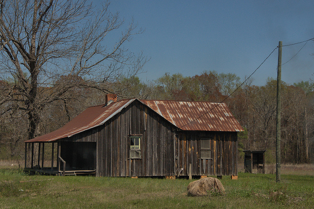 Board and batten tenant house laurens county vanishing for Board and batten farmhouse