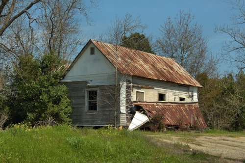 Irwinville GA Abandoned Farmhouse Southern Gothic Photograph Copyright Brian Brown Vanishing South Georgia USA 2014