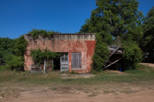 Abandond County Store Telfair County GA Photograph Copyright Brian Brown Vanishing South Georgia USA 2014