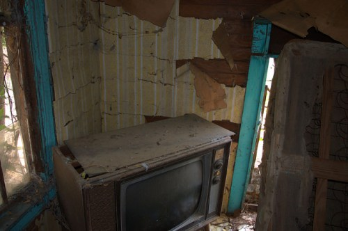 Screven County GA Abandoned Farmhouse Interior 1970s Console Television Yellow Wall Paper Photograph Copyright Brian Brown Vanishing South Georgia USA 2014