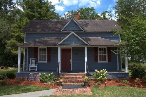 Jesup GA Wayne County Folk Victorian Architecture House Photograph Copyright Brian Brown Vanishing South Georia USA 2014