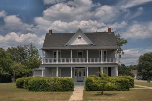 Jesup GA Wayne County Pioneer House Plantation Plain with Folk Victorian and Stick Style Elements Photograph Copyright Brian Brown Vanishing South Georgia USA 2014