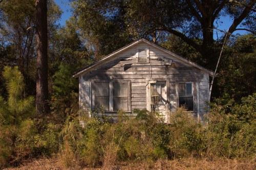 Wayne County GA Abandoned Farmhouse Photograph Copyright Brian Brown Vanishing South Georgia USA 2014