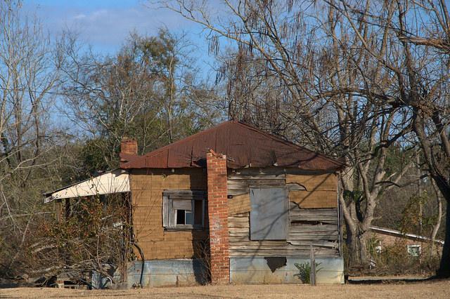 Gough GA Burke County Tar Paper House Photograph Copyright Brian Brown Vanishing South Georgia USA 2014