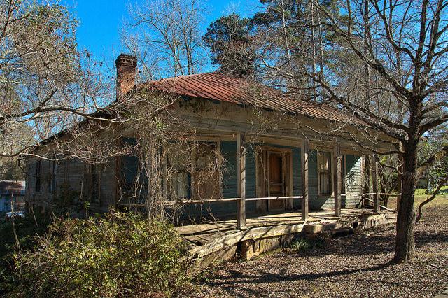 Leefield GA Bulloch County Pyramidal Hip Roof Vernacular House Blue Clapboard Photograph Copyright Brian Brown Vanishing South Georgia USA 2015