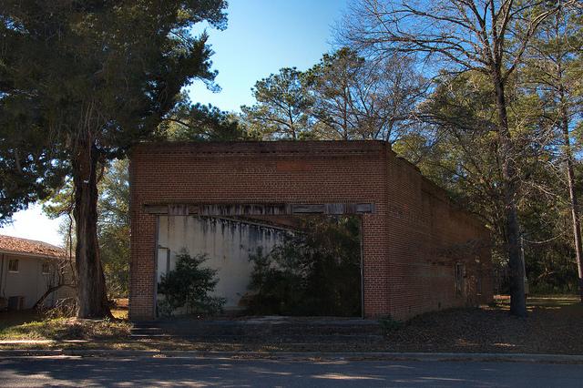 Leefield GA Bulloch County Ruins of Perkins Grocery Store Photograph Copyright Brian Brown Vanishing South Georgia USA 2015