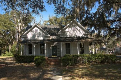 Homerville GA Folk Victorian House Photograph Copyright Brian Brown Vanishing South Georgia USA 2015