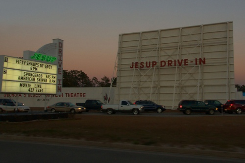 Jesup Drive In Theatre Valentines Day Date Night Crowd Photograph Copyright Brian Brown Vanishing South Georgia USA 2015