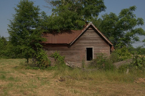 New Era GA Abandoned Farmhouse Photograph Copyright Brian Brown Vanishing South Georgia USA 2015