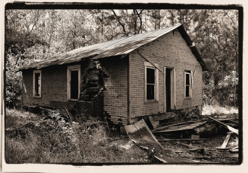 Tenant Farmhouse Photographed 2010 Appling County GA Photograph Copyright Brian Brown Vanishing South Georgia USA 2015