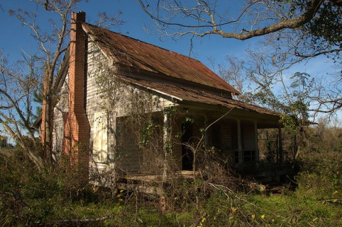 Tattnall County GA Neoclassical Vernacular Farmhouse Photograph Copyright Brian Brown Vanishing South Georgia USA 2015