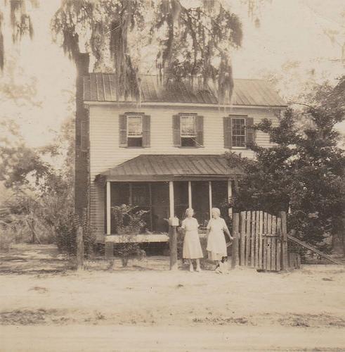 Bird Descendants at Glen Echo Plantation Bryan County GA Early 20th Century Photograph Courtesy Kenneth Dillon Dixon