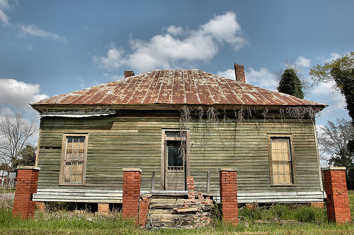 leary-ga-calhoun-county-vernacular-architecture-pyramidal-roof-green-house-abandoned-rural-southern-decay-pictures-photo-copyright-brian-brown-vanishing-south-georgia-usa