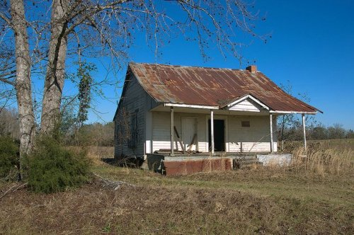 New Home Community Johnson County GA Abandoned Tenant Farmhouse Photograph Copyright Brian Brown Vanishing South Georgia USA 2016