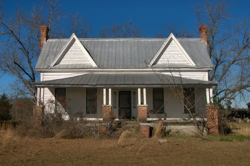 New Home GA Johnson County Queen Anne Folk Victorian Farmhouse Photograph Copyright Brian Brown Vanishing South Georgia USA 2016