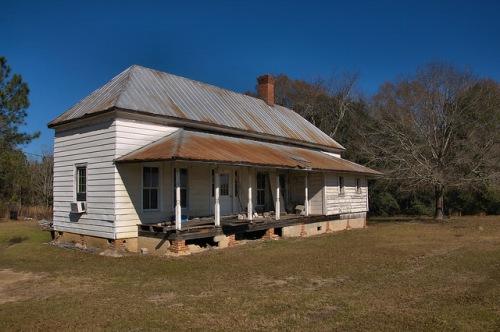 Tattnall County GA Eclectic Farmhouse Photograph Copyright Brian Brown Vanishing South Georgia USA 2016