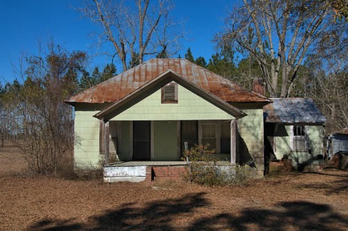Tattnall County GA Hip Roof Farmhouse Photograph Copyright Brian Brown Vanishing South Georgia USA 2016