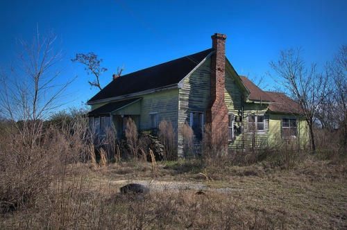 Washington County GA Abandoned Chartreuse Farmhouse Photograph Copyright Brian Brown Vanishing South Georgia USA 2016