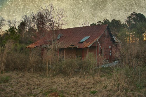 Irwin County GA Red Tarpaper Tenant Farmhouse Photograph Copyright Brian Brown Vanishing South Georgia USA 2016